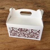 Krabička na výslužku  #namiru 🍰🧁 #svatba #svatebnitiskoviny #krajka #svatebni #svatebnioznameni #svatebnihostina #svatebnivysluzka #svatebnikolacky #svatba2020 #milujemepapir #ceskyvyrobek #beremese #epsilonpraha